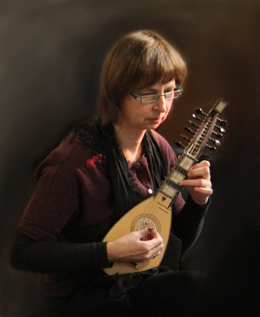 Gerda playing baroque mandolin